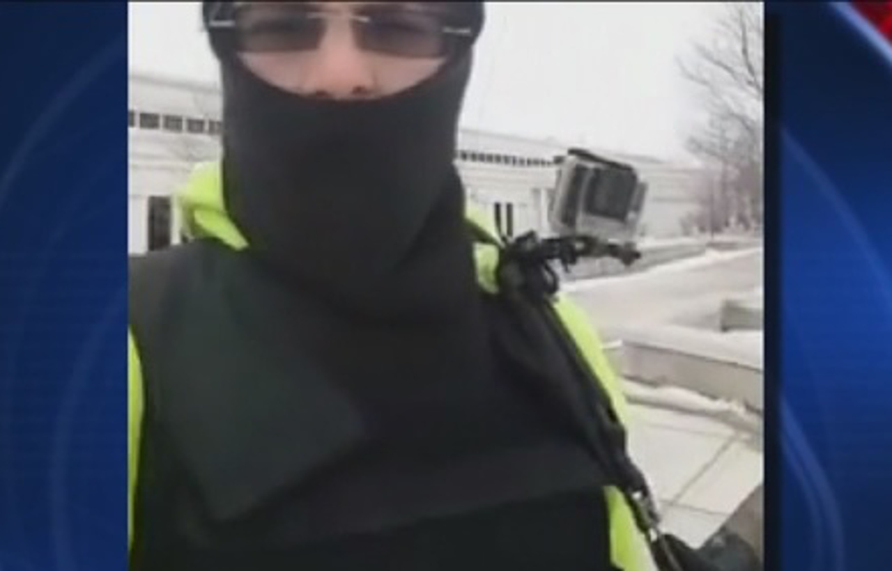 2 men storm Michigan police station to confront cops over traffic stop
