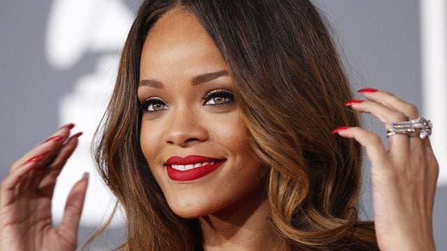Rihanna mocks 16-year-old fan for copycat prom outfit