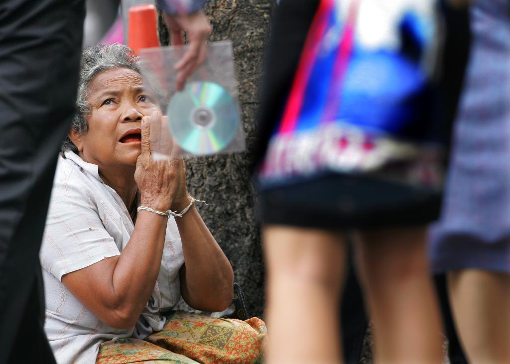 Thai economy feels sting from political uncertainty