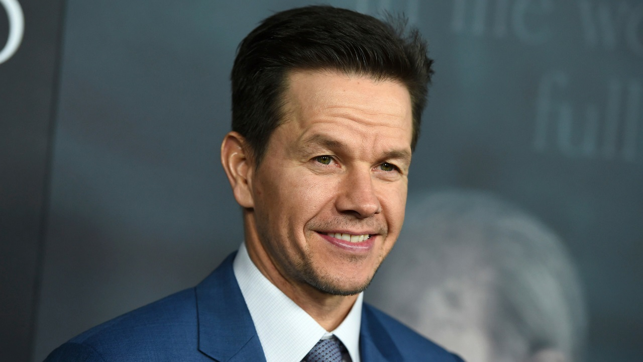 Mark Wahlberg shows off 6-month body transformation — and fans are stunned: 'Unbelievable'