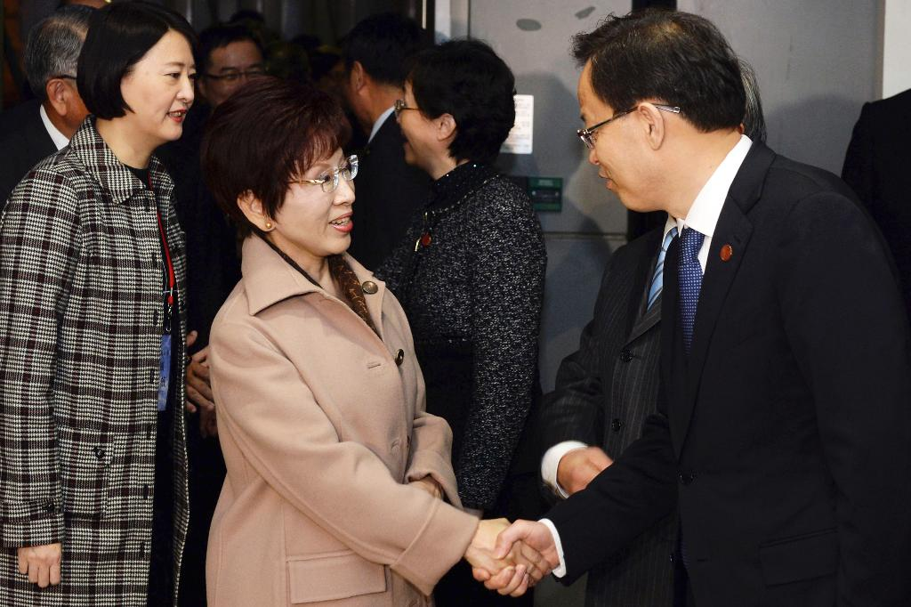 Taiwan opposition party leader to meet China's president