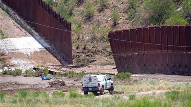 Storm Knocks Down 60 Feet Of U.S.-Mexico Border Fence In Arizona | Fox News