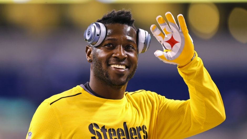 Westlake Legal Group 9700759-antonio-brown-nfl-pittsburg-9534b317a448a510VgnVCM100000d7c1a8c0____ Antonio Brown trains with Deion Sanders, working on NFL comeback fox-news/sports/nfl fox-news/person/antonio-brown fox news fnc/sports fnc Daniel Canova b13a4784-c688-5dd9-8a44-21599e046b1f article