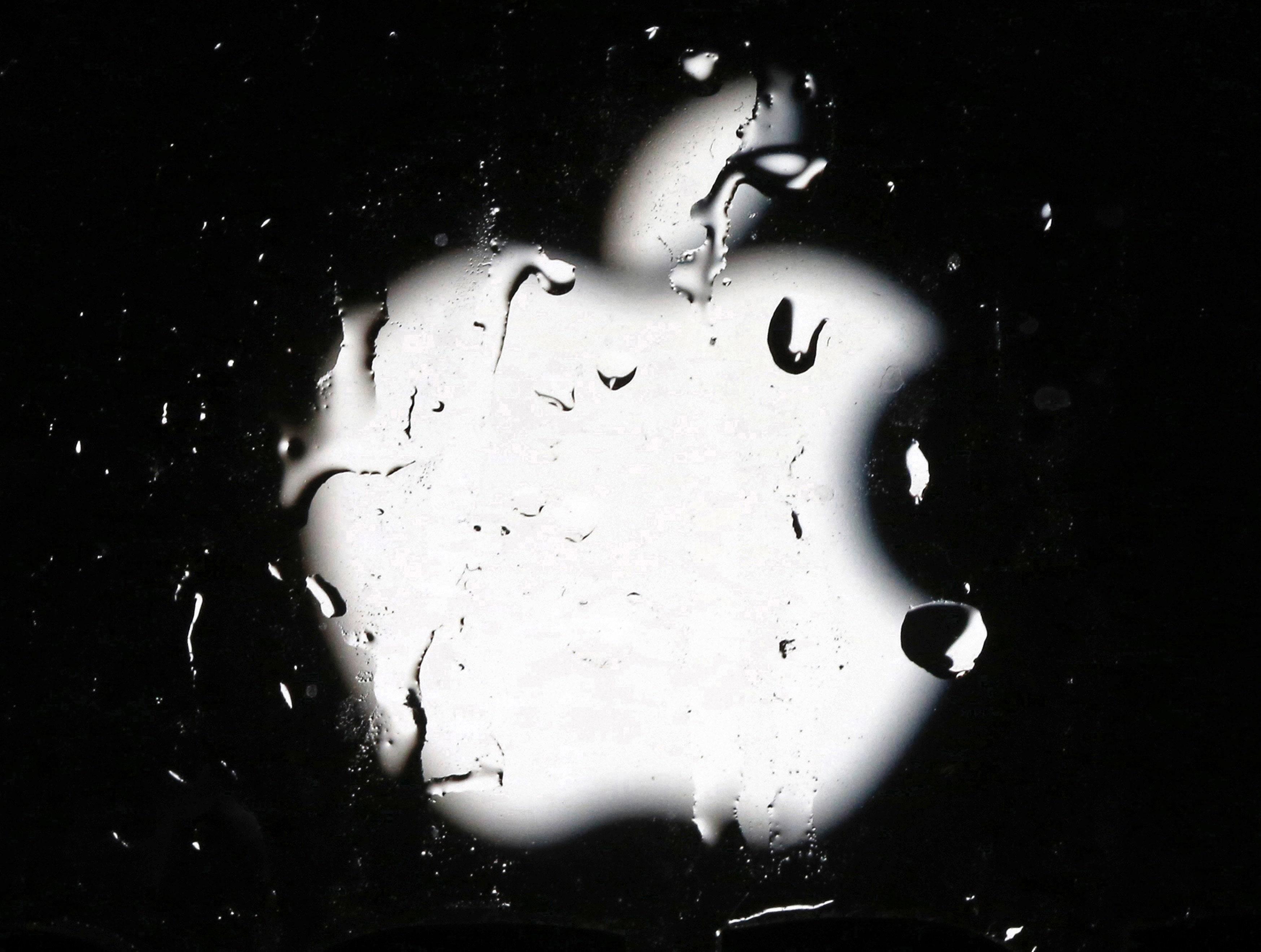 Η Apple κλείνει προσωρινά τα καταστήματα λιανικής πώλησης έξω από την Κίνα σε απάντηση της εστίας