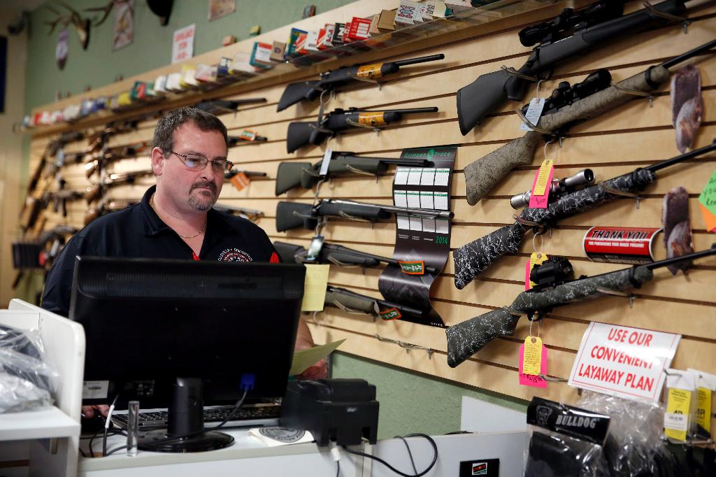 Gun dealers report brisk sales ahead of Ferguson grand jury decision