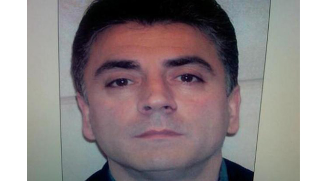 Frank Cali, reputed Gambino crime family boss, fatally shot outside Staten Island home: reports thumbnail