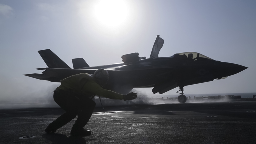 Entire F-35 stealth fighter jet fleet grounded by military after crash in Septem...