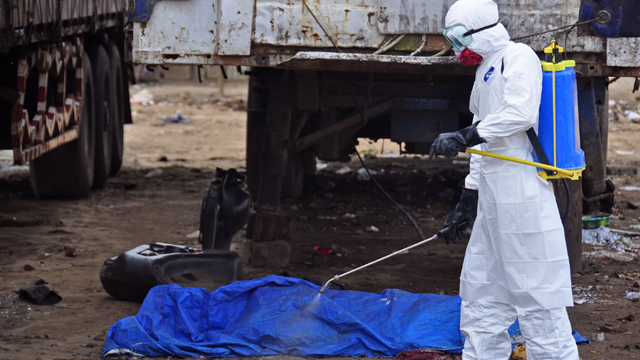 Obama says military will help fight Ebola outbreak in West Africa