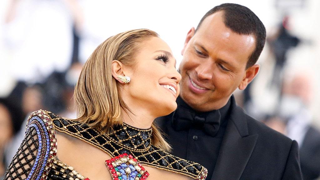 Jennifer Lopez and Alex Rodriguez get engaged thumbnail
