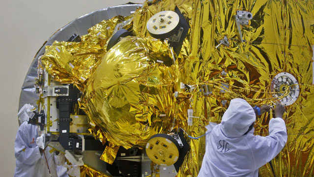 India puts spacecraft into orbit around Mars