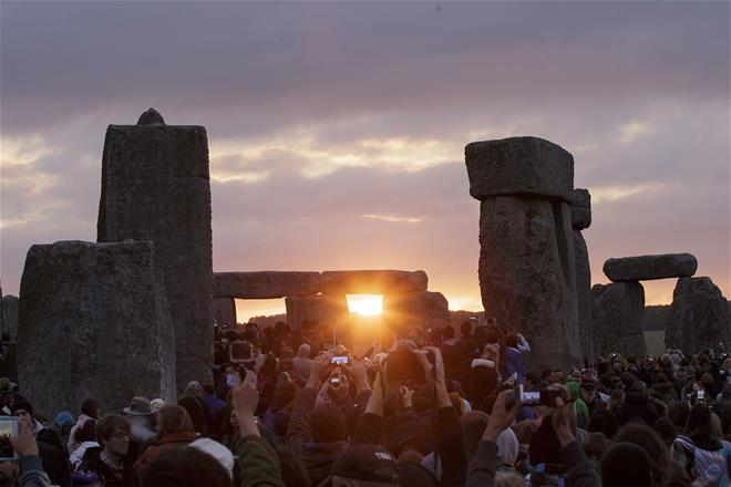 Mysterious Stonehenge structure may have been built using pig fat