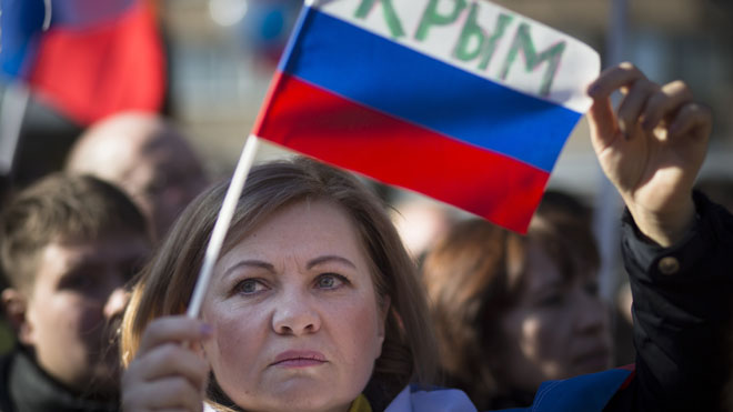 Ahead of Crimea referendum, US senators in Kiev, anti-gov protests in Moscow