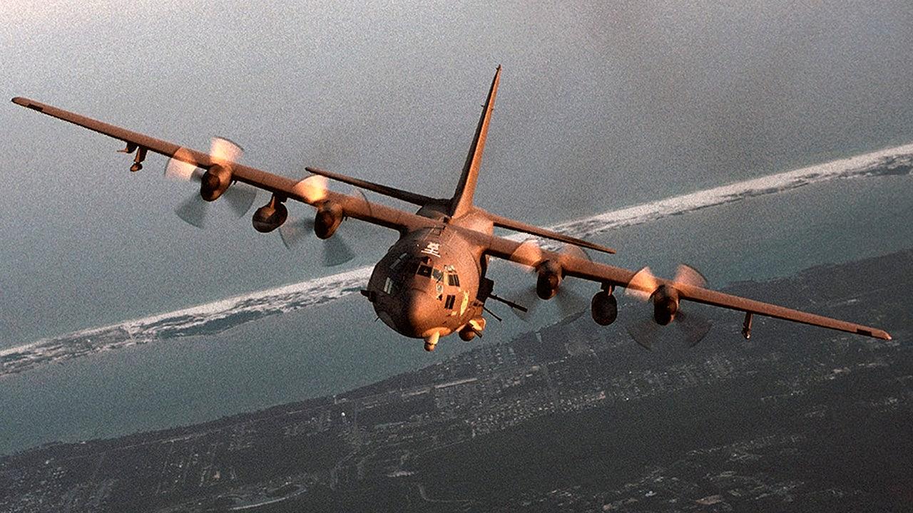Air Force αεροπόρος που λείπουν μετά την πτώση στον Κόλπο του Μεξικού από αεροσκάφη C-130