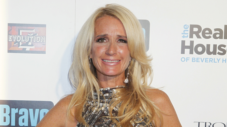 Former 'Real Housewives' star Kim Richards is writing an autobiography