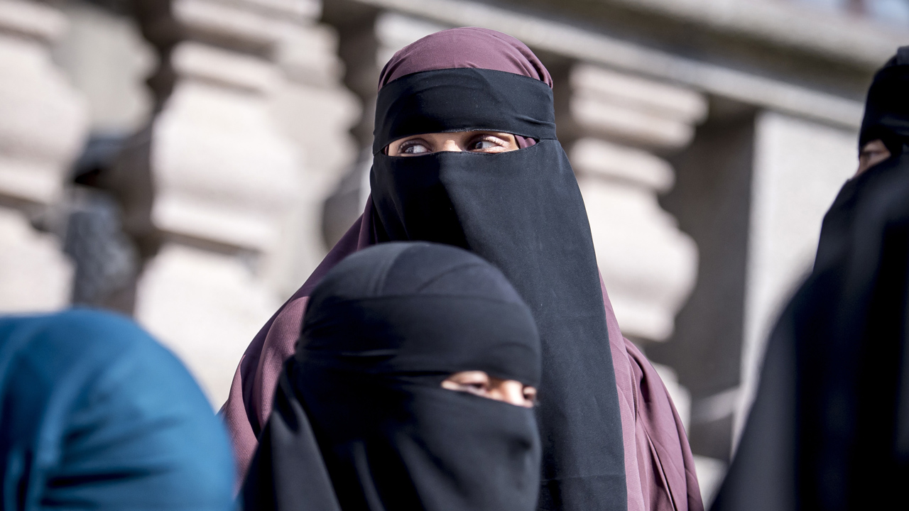Westlake Legal Group burqa-5 Dutch burqa ban becomes law, but rendered ineffective because authorities won't enforce it Lukas Mikelionis fox-news/world/world-regions/europe fox-news/world/religion/islam fox-news/world/religion fox news fnc/world fnc article 26fec8c1-07fe-540f-9274-5664e9055581