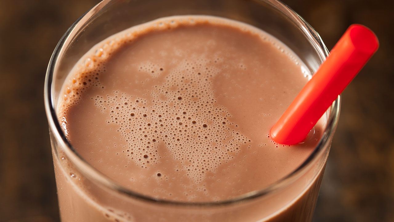 New York City considers banning chocolate milk in public schools: report