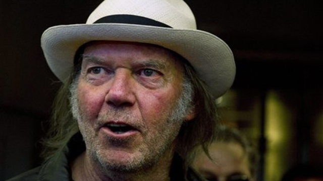 Neil Young reveals he became a U.S. citizen, will vote Democrat: 'I'm happy to report I'm in'