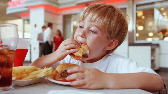 5 weird things fast food does to your brain