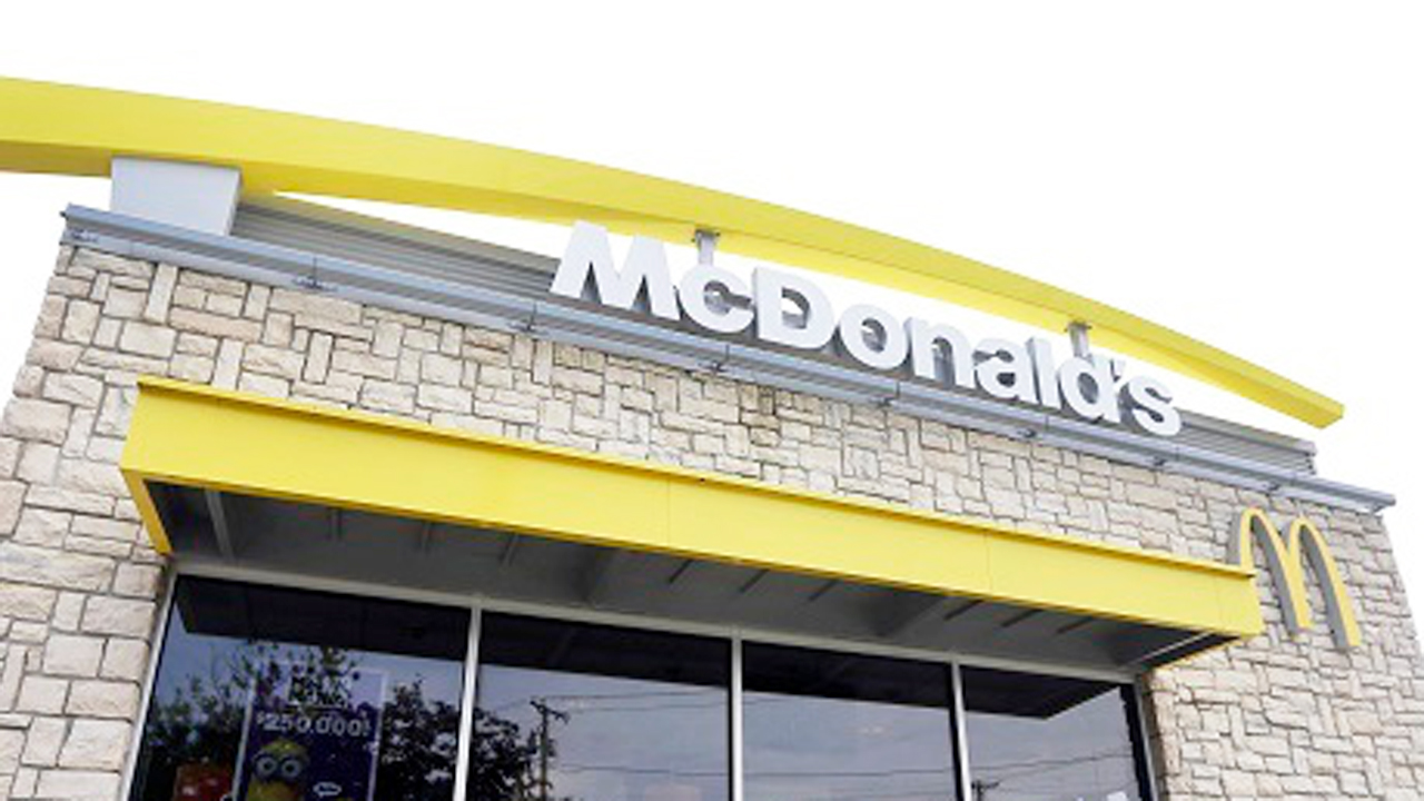Tennessee McDonald's nativity scene goes viral