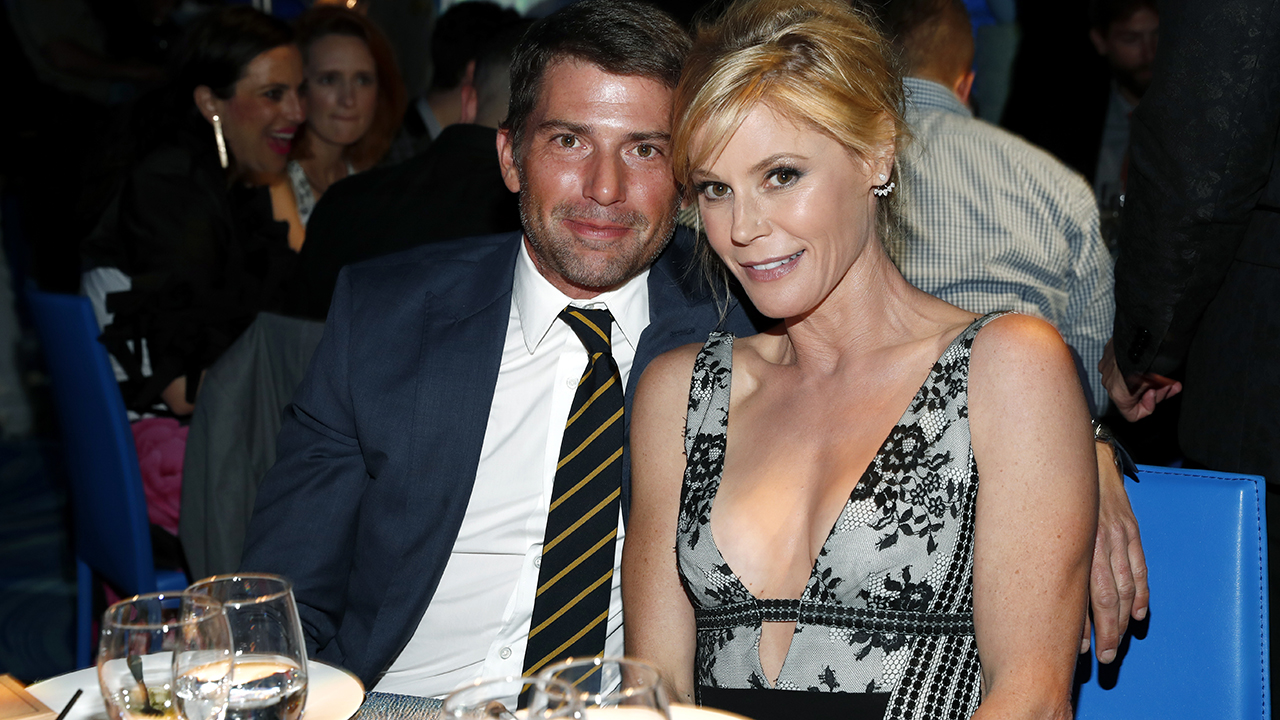 'Modern Family' star Julie Bowen says she needs to keep working because of recent divorce