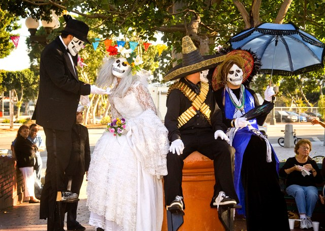 Breathtaking Day of the Dead festivals in Mexico and the US