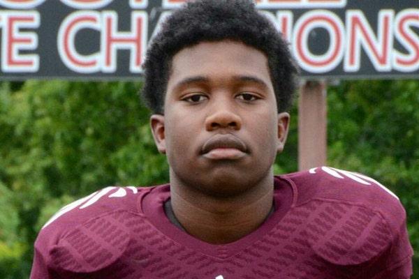 High school football player killed shielding girls from gunfire to receive Ashe Award