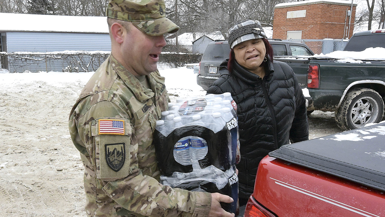 Michigan gov asks Obama to declare Flint water crisis a disaster