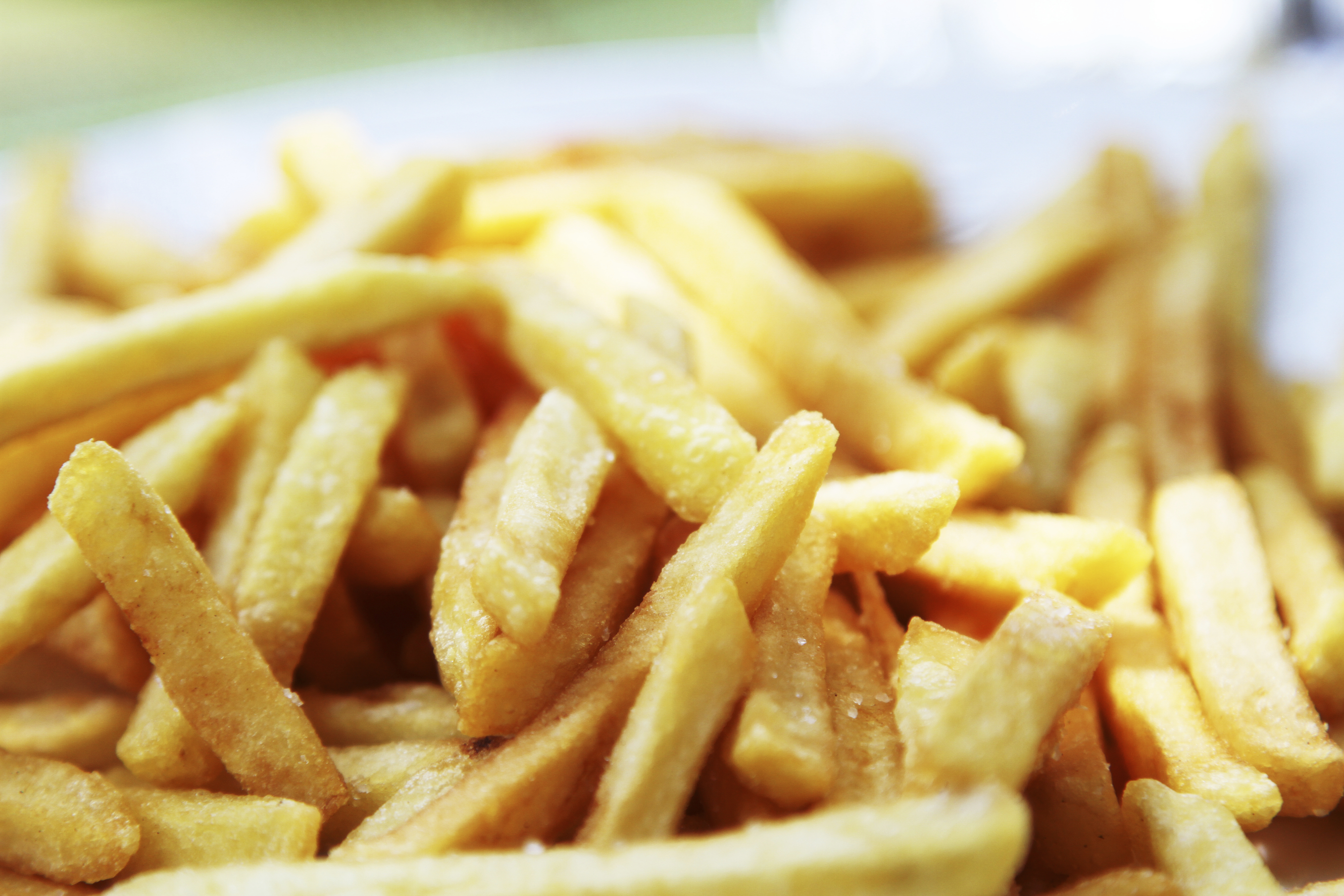 Government heavily subsidizes junk food, report suggests