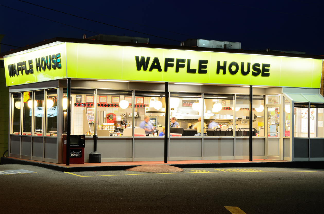 Waffle House sends mobile truck to Panama City, gives free food to Hurricane Mic...