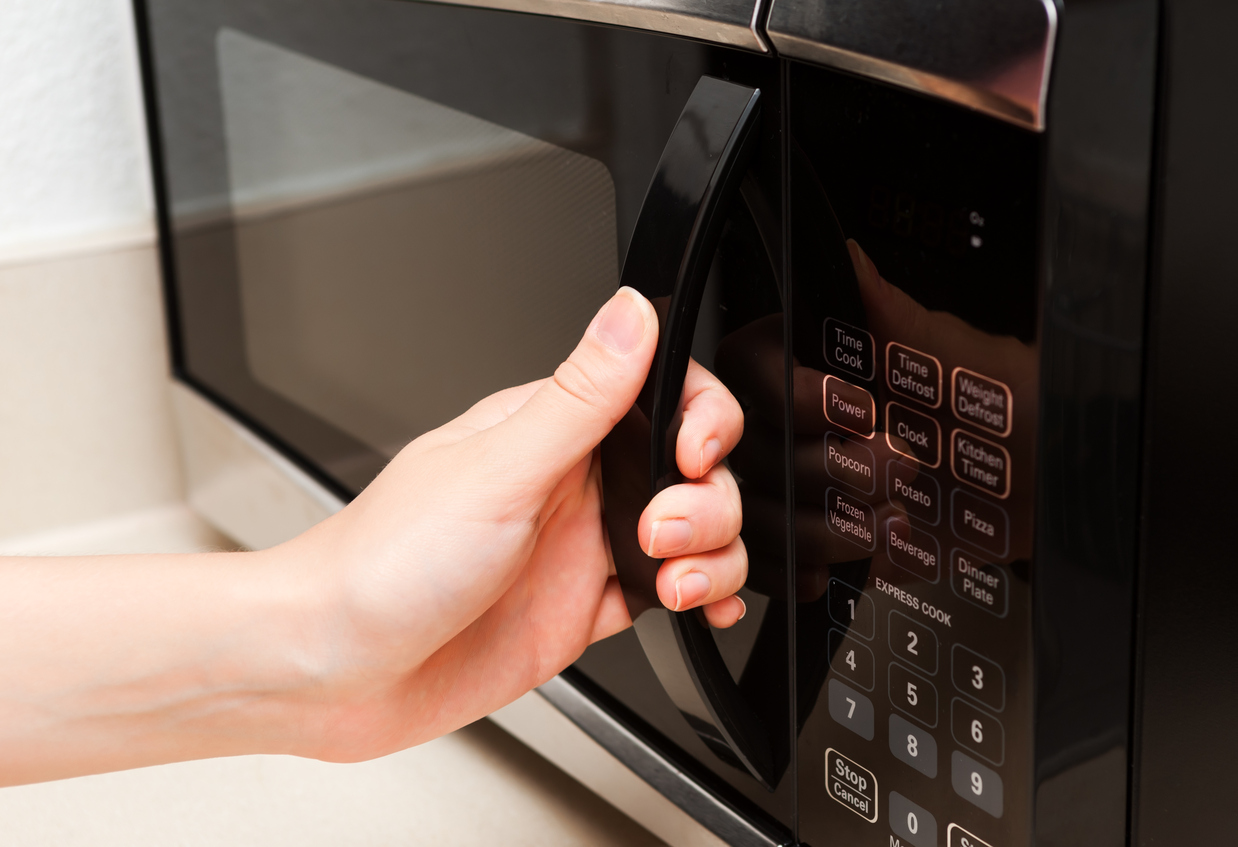 5 foods you should never reheat in a microwave