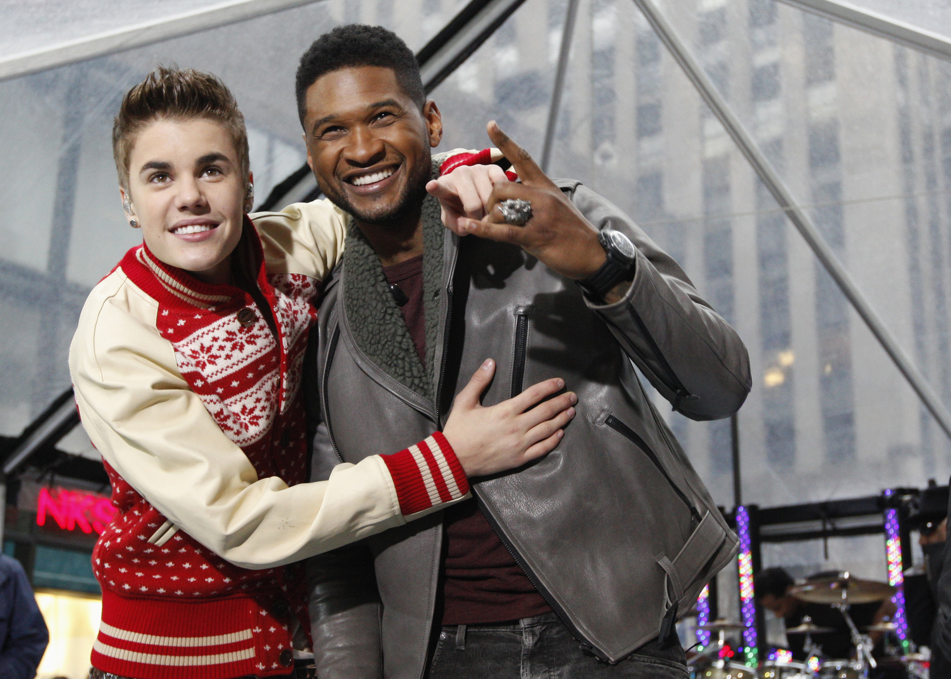 Usher on Bieber: 'I'll punch him in the chest when I need to'