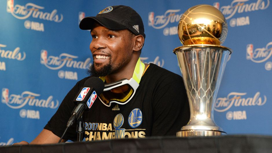 Westlake Legal Group kevin-durant-warriors-contract-opti-401e4cb569bcc510VgnVCM100000d7c1a8c0____ Warriors GM to meet soon with Kevin Durant, Klay Thompson fox-news/sports/nba/golden-state-warriors fox-news/sports/nba fox-news/person/klay-thompson fox-news/person/kevin-durant fnc/sports fnc ca03c8de-971e-5756-a486-da4bc6ffe579 Associated Press article