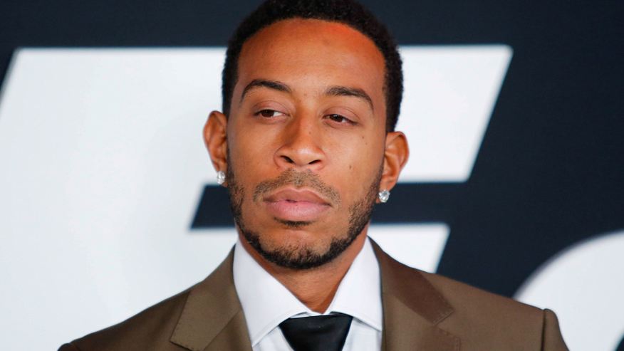 Rapper Ludacris tweets approval of protesters chanting