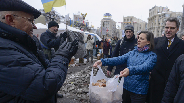 Ukraine leader 'intends to sign' EU deal after protests