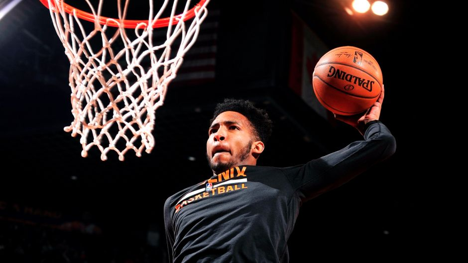 Westlake Legal Group pi-nba-suns-derrick-jones-021317.vr-22f7df258f83a510VgnVCM100000d7c1a8c0____ Miami Heat's Derrick Jones Jr. stuns with incredible dunk at Miami Pro League game Ryan Gaydos fox-news/sports/nba/miami-heat fox-news/sports/nba fox news fnc/sports fnc article 35109686-d7c9-5f54-ae72-0efdfd2e4c07