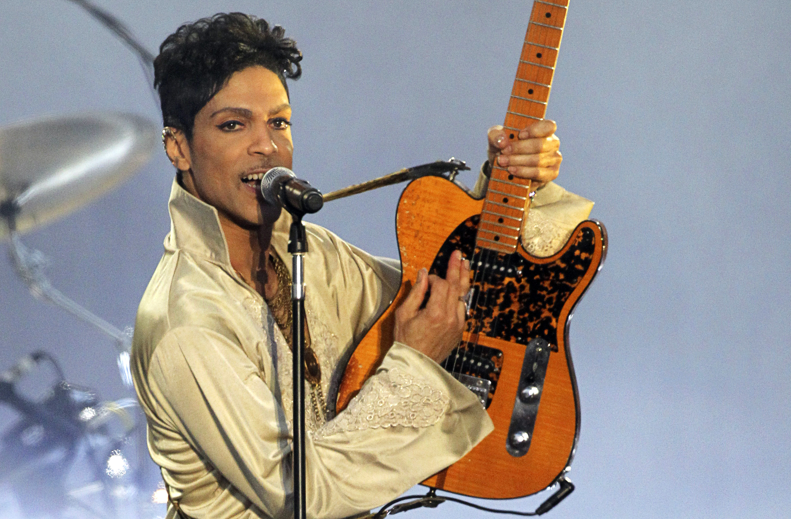 Prince autopsy hints at puzzling painkiller mystery