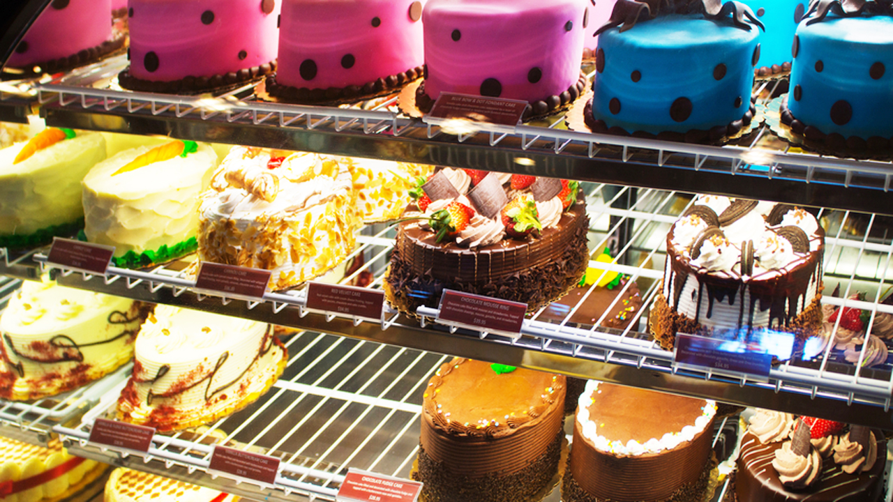 UK government to crackdown on restaurants serving oversized, sugary desserts