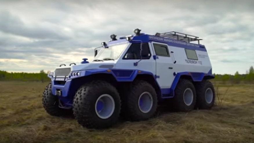 Amphibious 8×8 ATV travels marshes, mountains, shallow lakes, and tundra