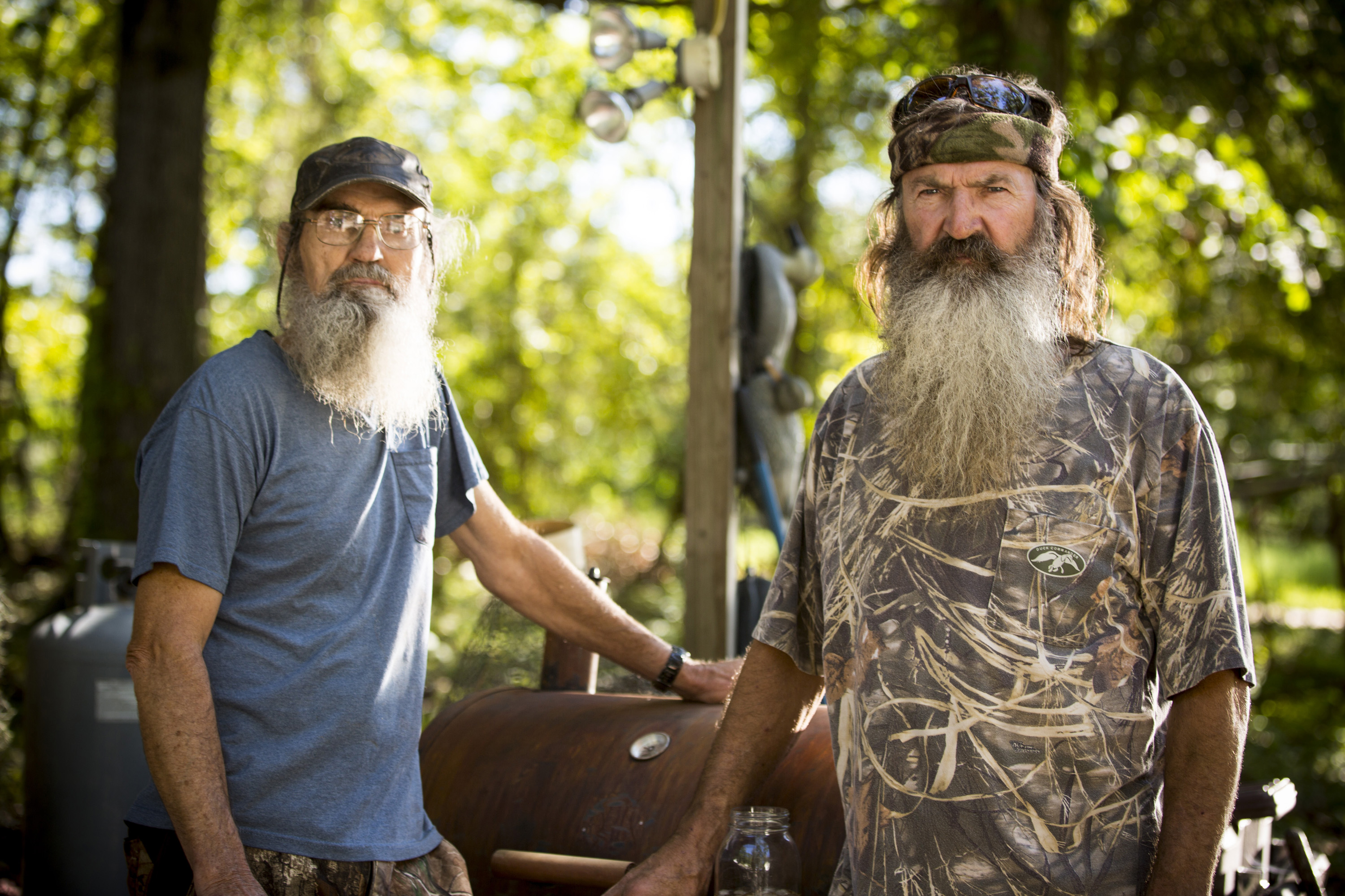 'Duck Dynasty' supporters and critics respond to star's reinstatement, say they will watch A&E's next moves