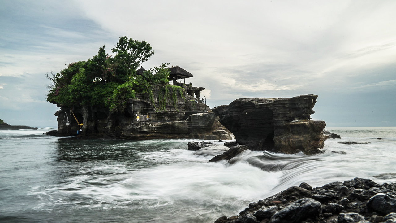 Paradise in peril? The truth about traveling to tourist hot spot Bali