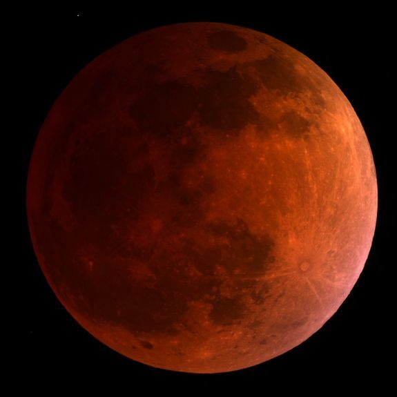 Under a 'Blood Moon': First total lunar eclipse of the year wows stargazers
