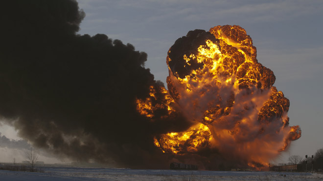Warning issued about oil shipped from North Dakota, Montana