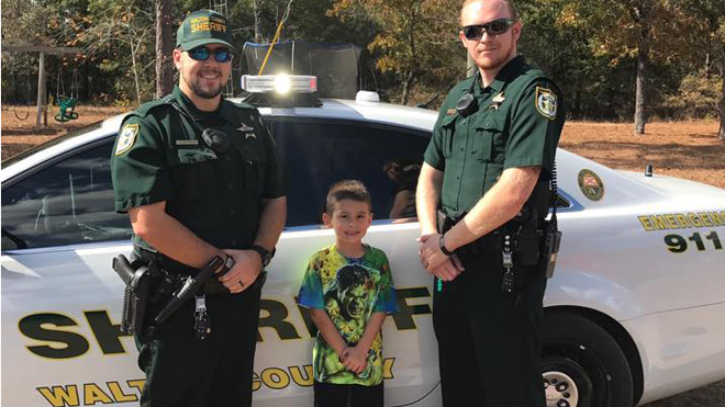 Florida boy calls 911 to invite deputies for Thanksgiving