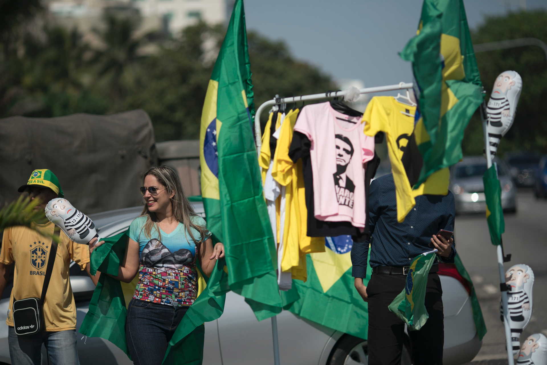 Amid violence, Brazil presidential candidates call for calm