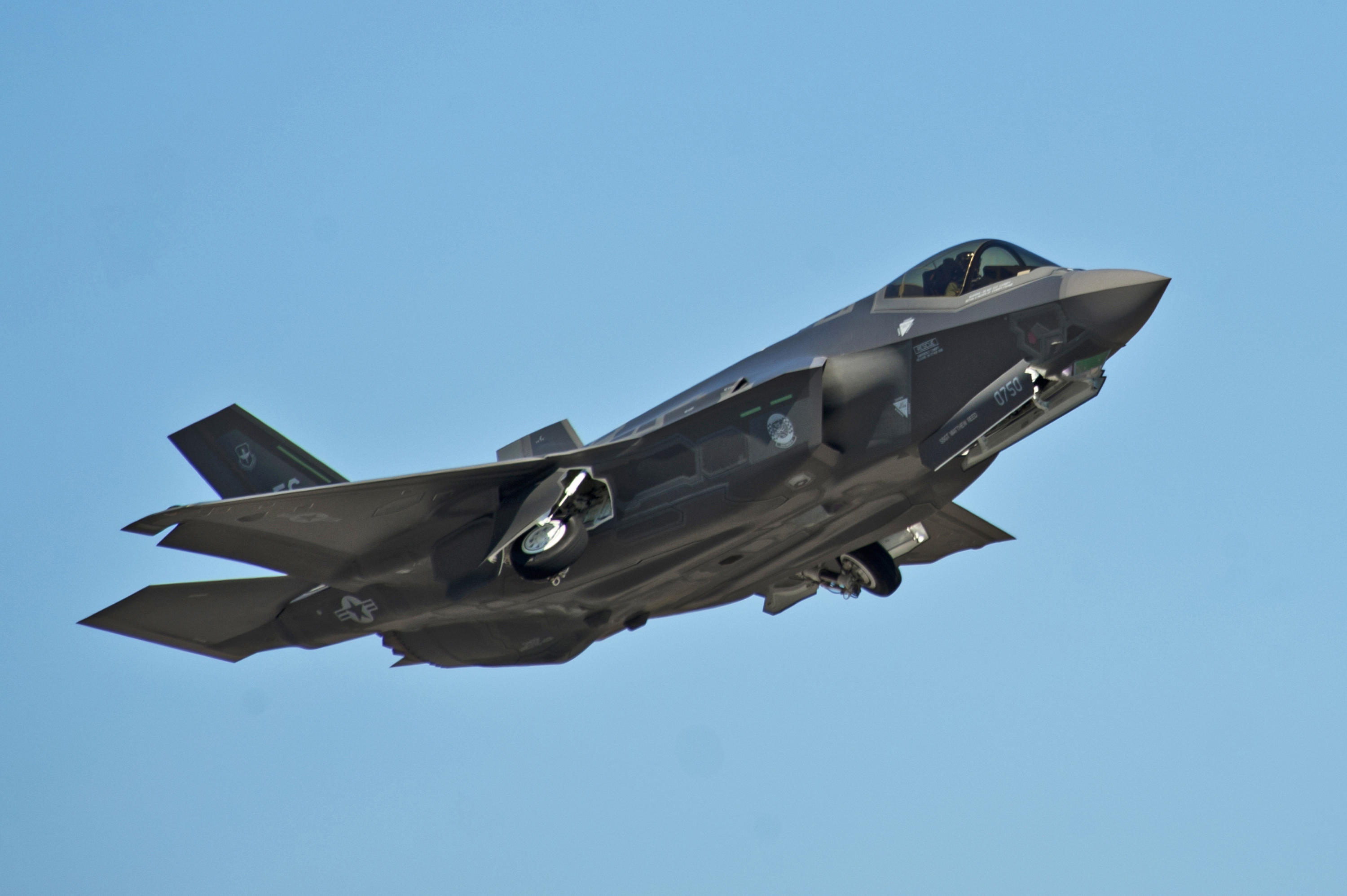 Single F-35 'kills' dozens of enemy fighters in AirWar live combat 'scenario'