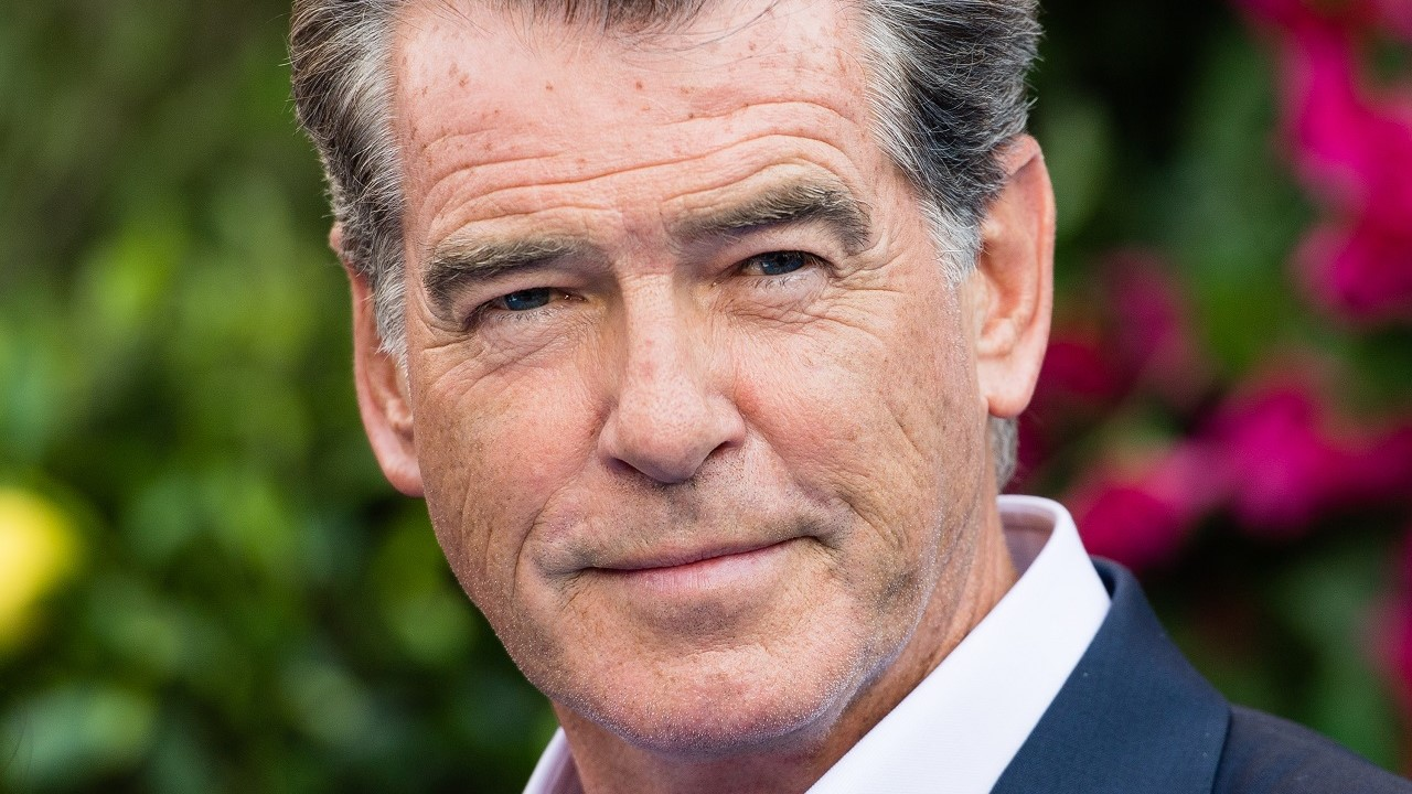 Pierce Brosnan bumps into Amanda Seyfried and Hugh Jackman in Switzerland, shares 'hunky' snap