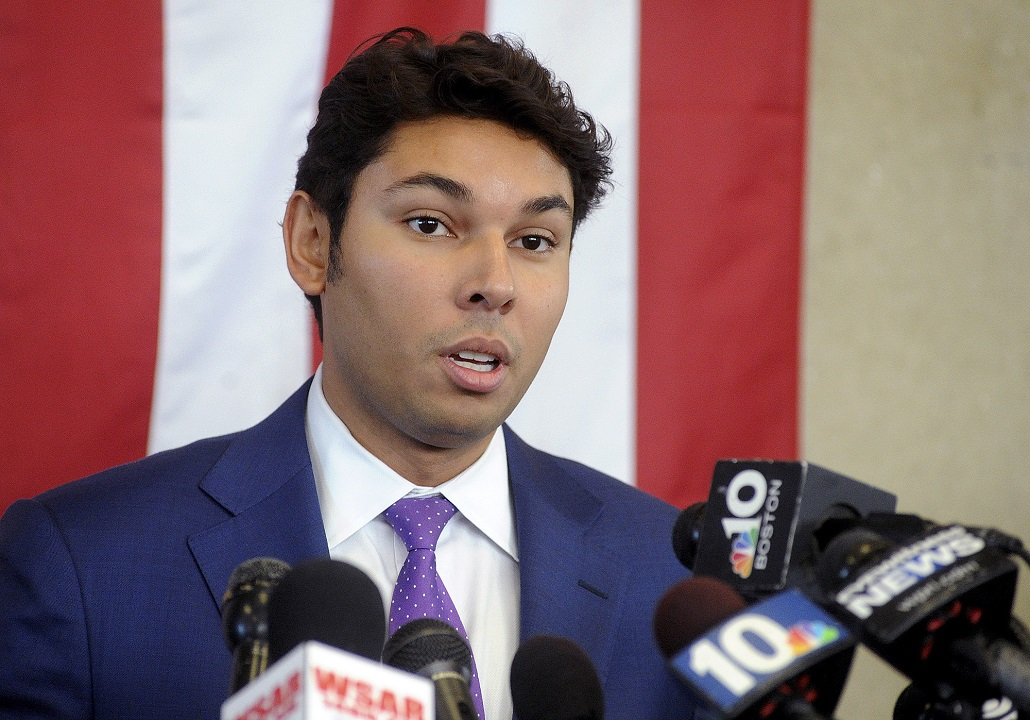 Massachusetts mayor charged with fraud to fund lavish lifestyle refuses to step down