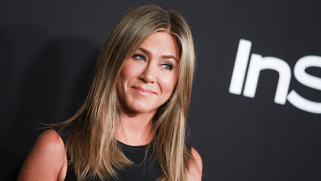 Jennifer Aniston says she had a fake 'stalker' Instagram account before joining, breaking Guinness World Re...
