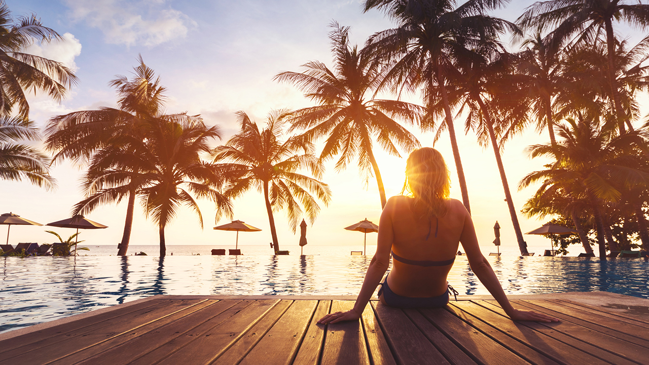 'Travel influencer' reveals secret to maintaining full-time vacation