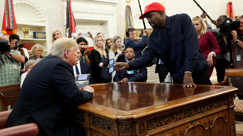 Kanye West reveals his iPhone lock code in the Oval Office